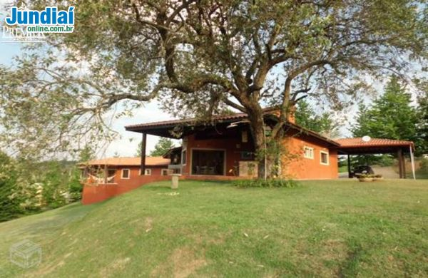 Linda Casa no Parque dos Manacás.