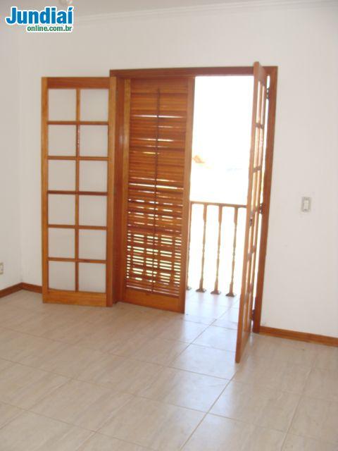 Sobrado no condomínio Vila Mastrangili