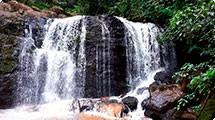 Cachoeira de Morangaba passa por vistoria e limpeza